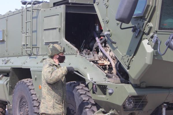 Армейцы уже начали приводить боевые машины в порядок