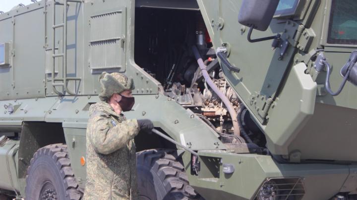 В Самару пригнали военную технику для парада Победы