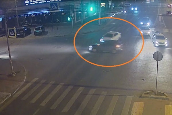 ВодительKIA понадеялся проскочить перекресток