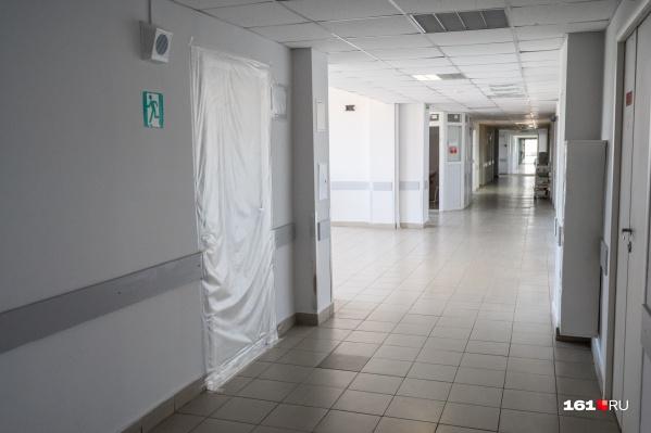 Уже второй день коэффициент распространения инфекции держится выше единицы