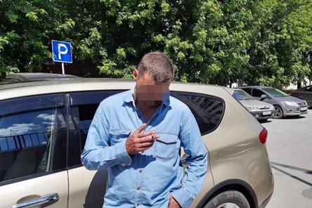 Обнимались, дрались, катались пьяными, давали взятку: одно утро тюменских нарушителей (их поймали)