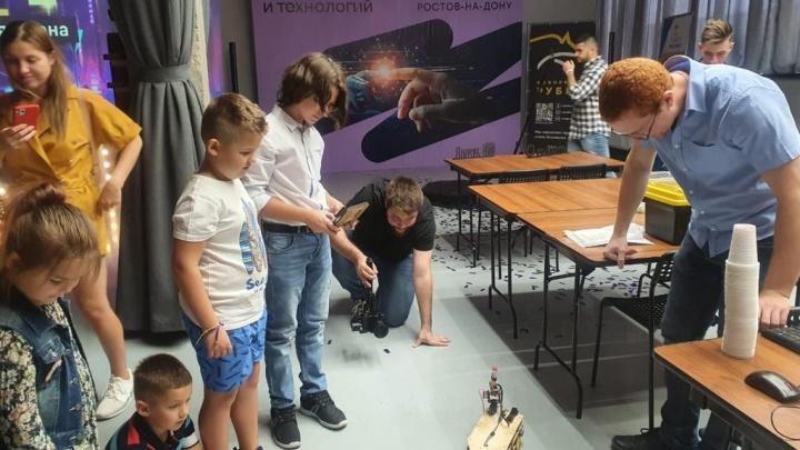 80 мастер-классов, хакатонов и игр: в донской столице прошел фестиваль идей и технологий Rukami