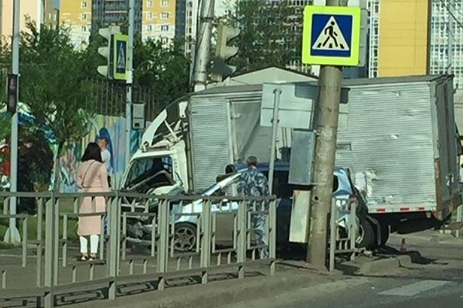 Пьяный водитель малолитражки погубил пассажирку в столкновении с грузовиком