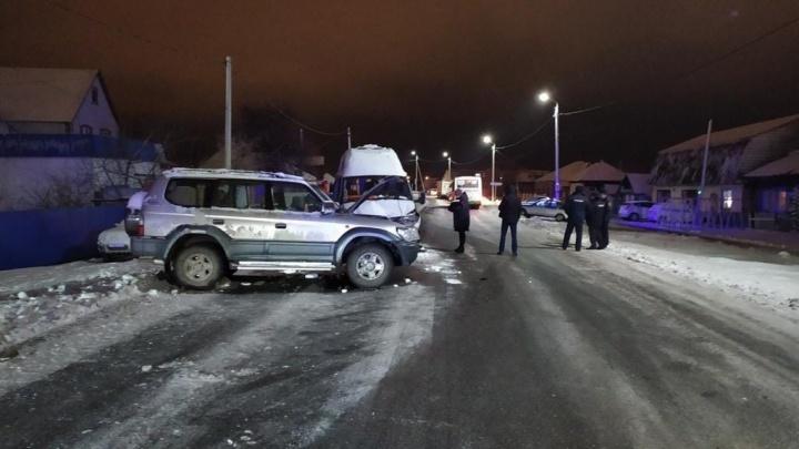 В Заводоуковске 84-летний водитель на Land Cruiser устроил ДТП с 10 пострадавшими