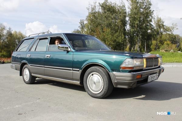 Так выглядит Nissan Cedric 1988 года. Видели такой на улицах Новосибирска?