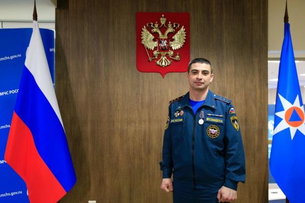 Мустафаев трудится в МЧС с 2007 года