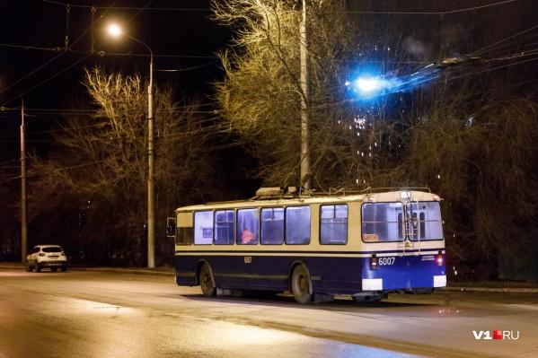 """Троллейбус <nobr class=""""_"""">№ 18</nobr> вполне могут продлить до центра"""