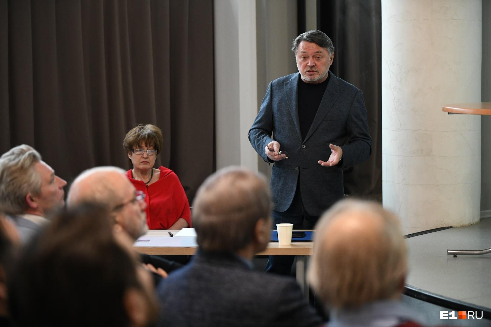 Михаил Вяткин очень недоволен тем, как распланировали территорию ВИЗа-Правобережного