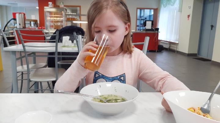 Волгоградских школьников прокормят до конца четвертого класса