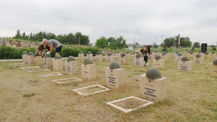 «Перезахоронений не будет»: к годовщине начала Великой Отечественной убрали мемориал в Россошках