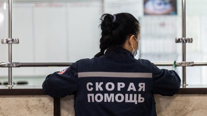 Новосибирские следователи проверят, как платили надбавки сотрудникам скорых за работу с больными Covid-19
