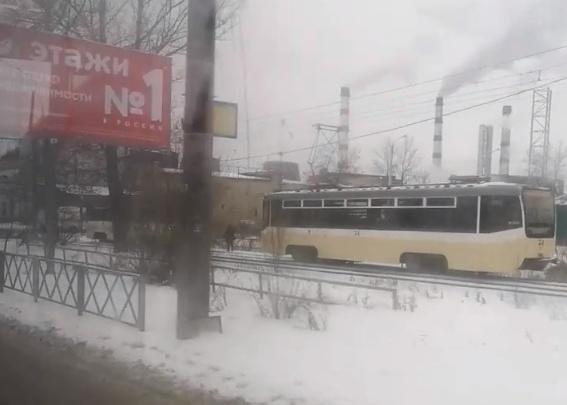 В Ярославле в трамвае умер пассажир: движение транспорта ограничено