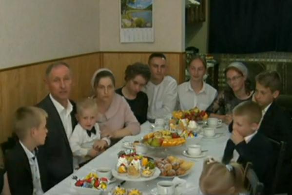 Семья Калмыковых поблагодарила Путина за нацпроекты для многодетных