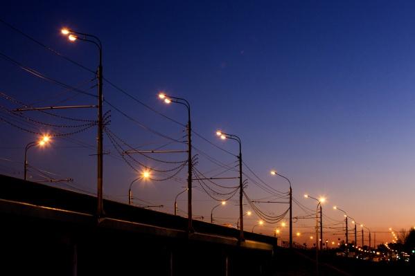 В Ярославле собираются модернизировать устаревшую систему уличного освещения. Но стоит это дорого