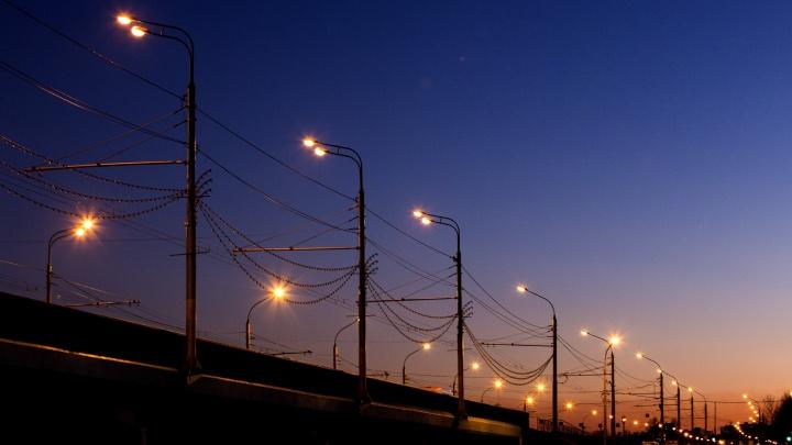 Устоят под ураганом: на новые лампы освещения в Ярославле потратят почти два миллиарда рублей