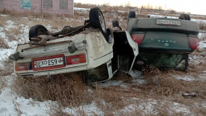 Двух детей госпитализировали после аварии в Горьковском районе