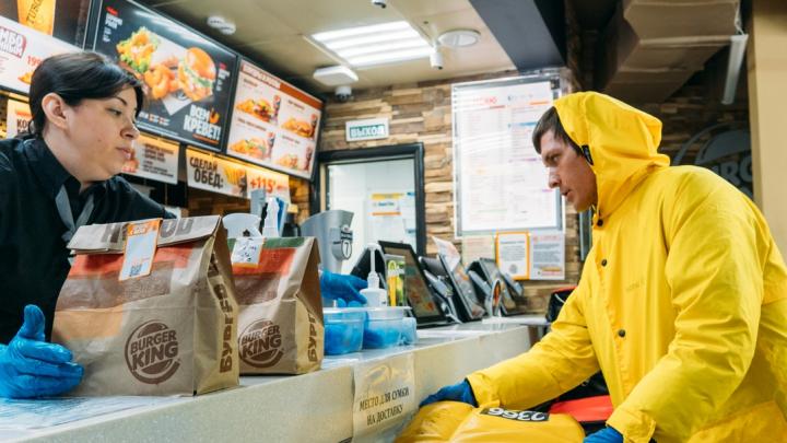 В Омске кафе и ресторанам запретили работать по ночам