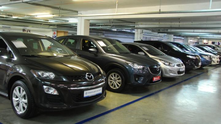 Повторение 2015 года: автомобили стремительно дорожают на фоне рухнувшего спроса
