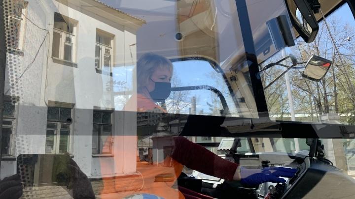 В Самаре водителей общественного транспорта будут штрафовать за работу без масок и перчаток