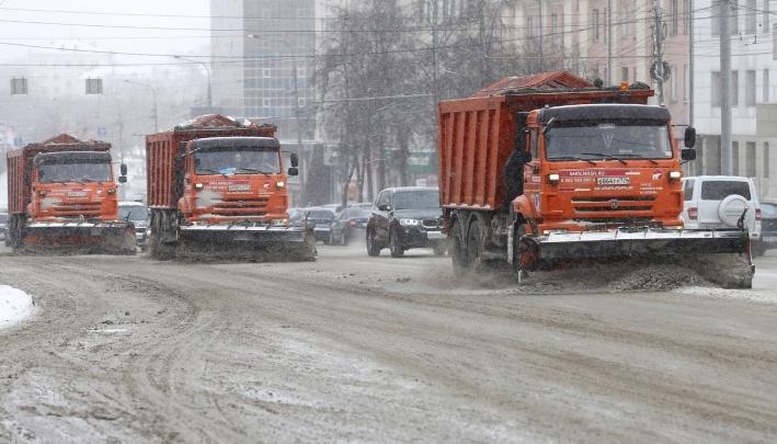 Челябинские дорожники рассказали, сколько техники подготовили к уборке снега