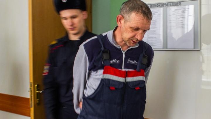 До суда дошло дело новосибирца, взявшего в заложники жену в магазине на Фадеева
