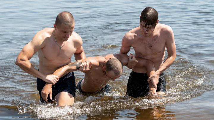 «Успеть за 180 секунд»: волгоградцы спасли утопающих