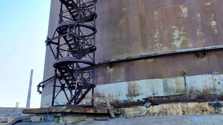 Ученые нашли опасные аномалии в двух из трёх оставшихся хранилищах топлива в Норильске