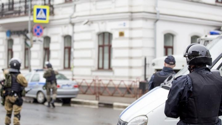 Ярославская ФСБ задержала группировку, торговавшую номерами телефонов и банковскими данными россиян