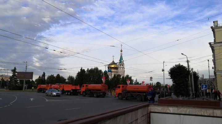 Дороги в центре перекрыли на двое суток, чтобы отметить новое звание Омска и поправки к Конституции