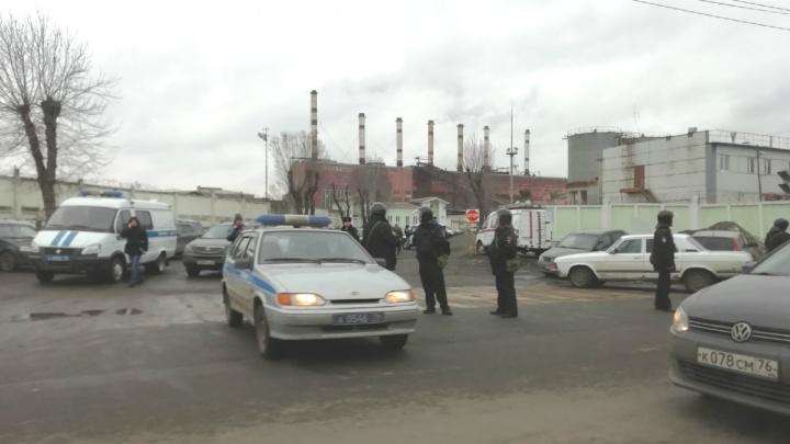Оцепили дорогу, стреляли: толпа силовиков в бронежилетах испугала ярославцев