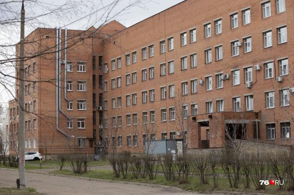 В госпитале ветеранов в Ярославле продолжают лечить самых тяжёлых пациентов с COVID-19
