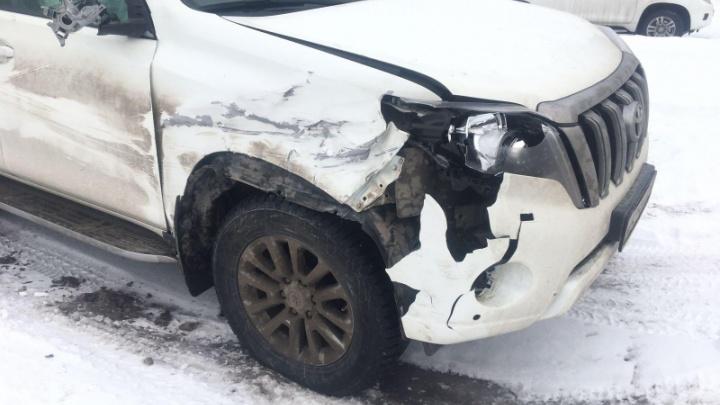 В Северодвинске водитель сбил насмерть стоявшего на аварийке мужчину