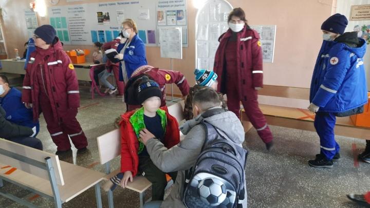 Четверо детей отравились парами хлора в бассейне в Башкирии