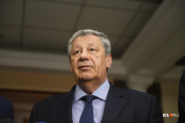 Награду Аркадий Чернецкий получил от Валентины Матвиенко