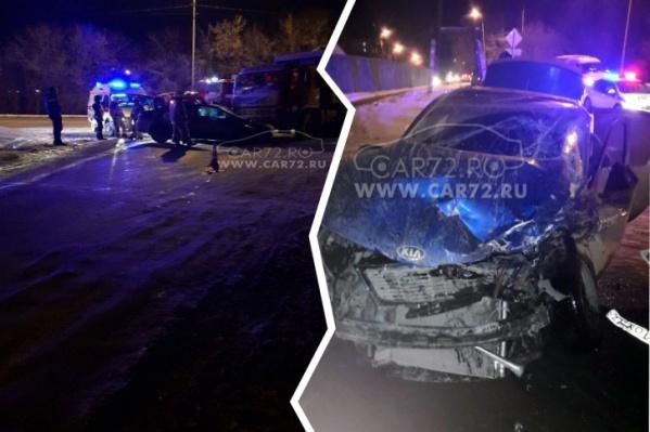 Родственники пострадавшего таксиста ищут очевидцев аварии