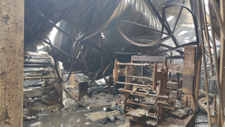 Самарские спасатели показали фото сгоревших складов изнутри