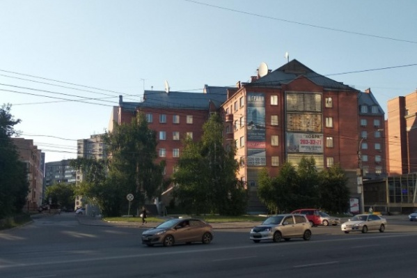 В клубе, который расположен на проспекте Димитрова, отрицают, что проводили вечеринку