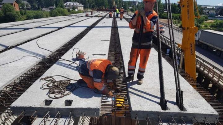 В Вельском районе новый мост соединил берега реки Ваги
