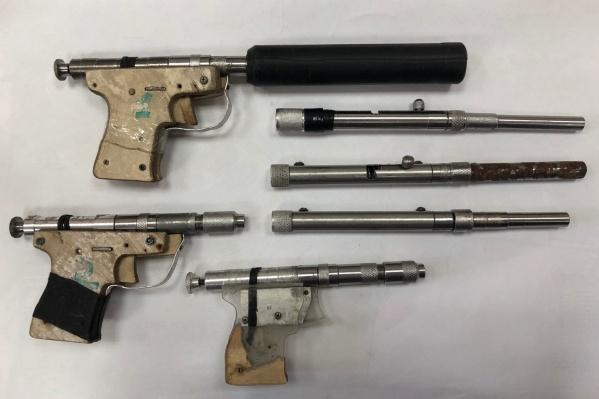 Оружие Андрей Кудла изготавливал сам