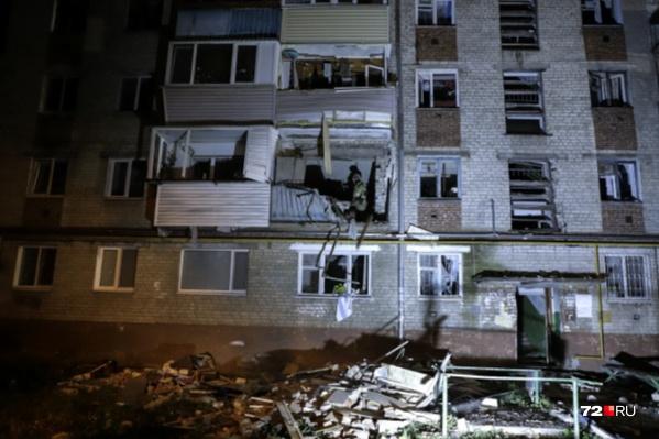От взрыва вынесло балкон