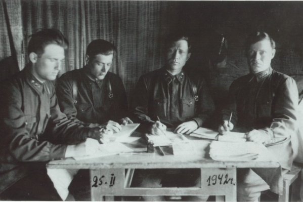 На фото — заседание военного трибунала Северо-Западного фронта о присвоении военного звания