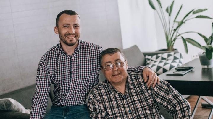 Отгрузили почти на полмиллиона: математик из НГТУ вместе с отцом построил успешный бизнес, закрывая людей в квартирах