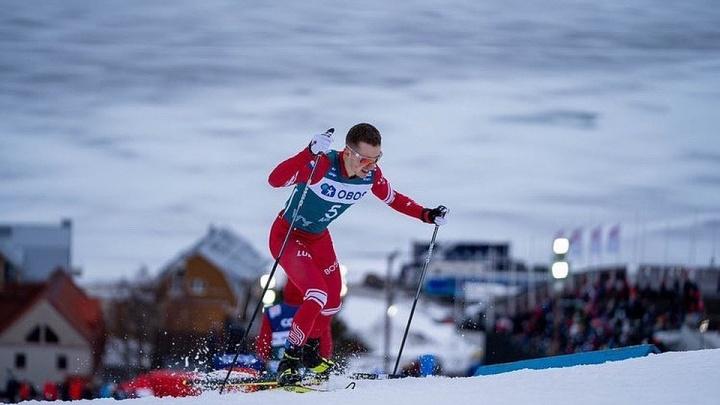 Тюменский лыжник Денис Спицов стал народным героем, пожертвовав свою палку другому спортсмену