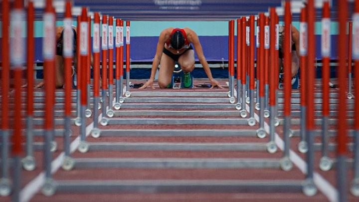 В Челябинске стартовал чемпионат России по лёгкой атлетике. Там есть звезды и много красивых девчонок