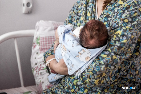 Она обманула мужа, сказав, что беременна, поэтому решила украсть чужого ребенка