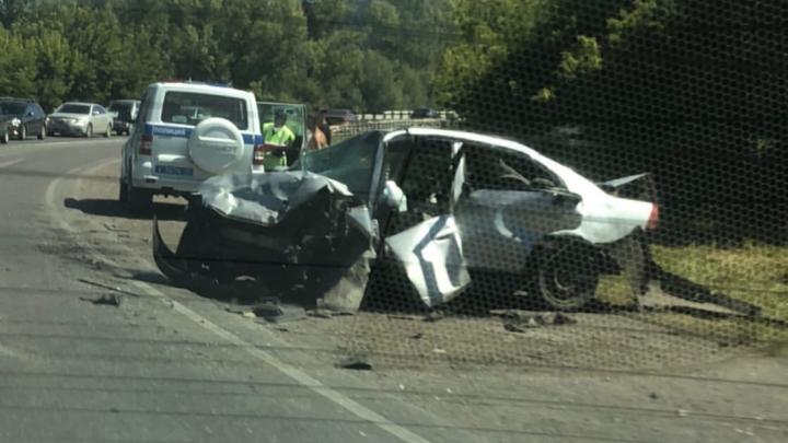 В тройном ДТП на кузбасской трассе один человек погиб, еще пятеро доставлены в больницу