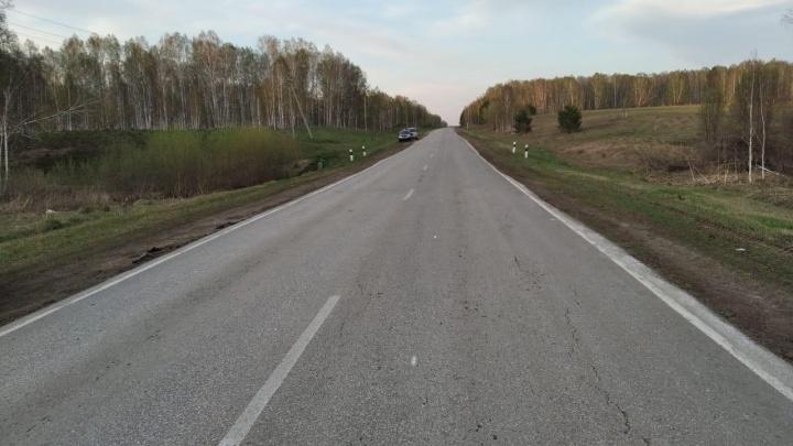 В Новосибирской области опрокинулся автомобиль — водитель погиб