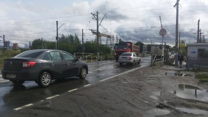 В Челябинске из-за ремонта ограничат движение на железнодорожном переезде, ведущем в крупный микрорайон