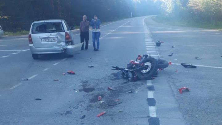 16-летняя пассажирка мотоцикла погибла в аварии под Новосибирском
