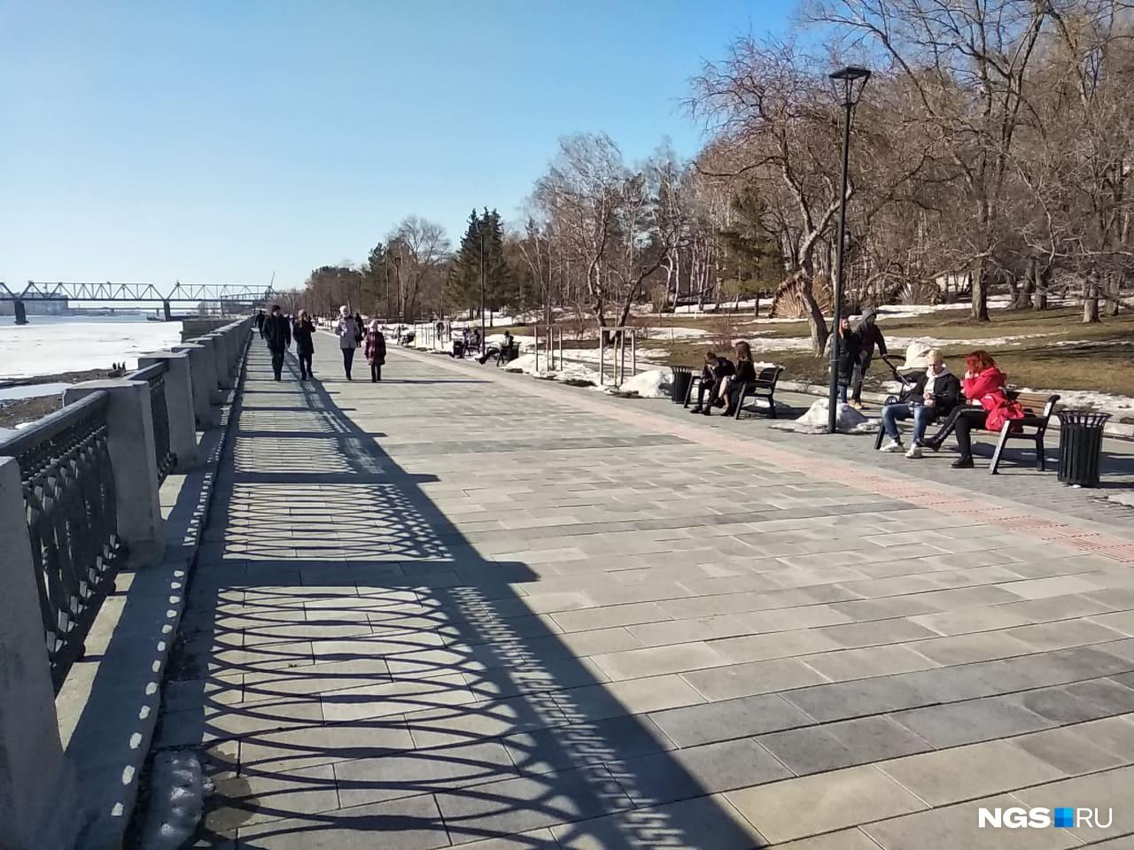 Немного идиллии на Михайловской набережной. Кажется, новости о постановлении Травникова ещё не дошли сюда
